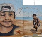 El recuerdo alegre de Gabriel 'nadará' para siempre en un mural con diseño navarro