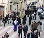 Una cuadrilla de jóvenes de Caparroso recupera el paso del Cirineo en la procesión