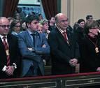 La Corte de San Fermín se sube a la escalera en la misa a su patrón