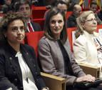 Una joven silba e increpa a la Reina Letizia a su salida de un acto en Madrid
