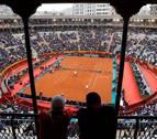 España, contra las cuerdas tras caer en un doble interminable