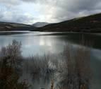 Desembalsan agua de Itoiz y Yesa, casi llenos, ante otro temporal de lluvia