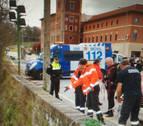 Rescatada una mujer que cayó al Arga en el Puente de Santa Engracia