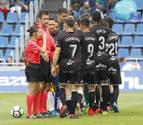 Suspenden 15 minutos el Tenerife-Huesca por agresión a una asistente