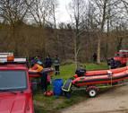 El equipo de rescate acuático reanuda la búsqueda del desaparecido en el Ebro