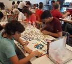 Construyendo en Mutilva el puzle más grande del mundo