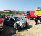 Dos heridas tras colisionar contra un camión en Cárcar