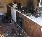 Un incendio calcina la cocina de un piso en San Juan