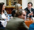Dignidad y Justicia entregó a Rajoy 5 tomos de asesinatos de ETA sin resolver
