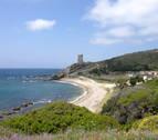 Cinco agentes heridos en una operación antidroga en una playa de Algeciras