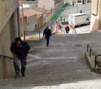 Cárcar construye nuevas escaleras entre el colegio y el consultorio
