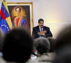 Maduro acude casi en solitario a unas elecciones presidenciales cuestionadas