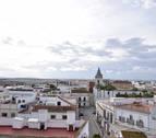 Muere un varón tras colisionar un turismo con varios caballos en Cádiz
