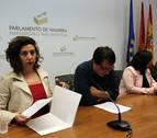 Los críticos se acogen al reglamento para eliminar a Podemos del Parlamento