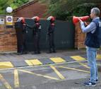 Dos policías negociadores explican cómo solucionan situaciones comprometidas