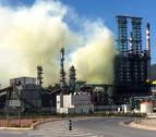 Repsol investiga la avería que ha causado una nube no tóxica en la planta de Cartagena