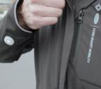 Ford crea una chaqueta inteligente para indicar a los ciclistas cuándo girar