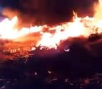 Un incendio calcina varios palés de una empresa en Villafranca