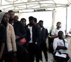 Navarra acoge a 13 de los migrantes del Aquarius que llegaron a Valencia