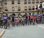 Cien cadreitanos pedalean en familia