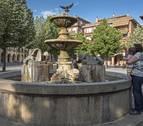 La fuente de los dragones volverá  a lucir en la plaza de Santiago de Estella