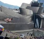 Sobrevolando el Museo Guggenheim
