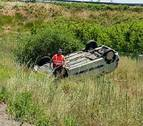 Herida una mujer de 41 años tras volcar su vehículo en la AP-68 a la altura de Cascante