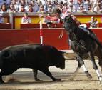 Los toros para la corrida de rejones del 6 de julio llegan a la plaza de toros