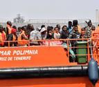Salvamento rescata a 111 migrantes a bordo de dos pateras al sur de Alborán