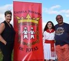 Pilar López Virgili, la jotera argentina que recibe clases por WhatsApp