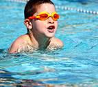 Rescatada una niña de 9 años del fondo de una piscina en Tudela
