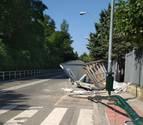 Cortada la calle Biurdana de Pamplona, sentido avenida de Navarra, por un accidente