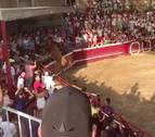 Varios heridos al saltar una vaca sobre el público en la plaza de Cadreita