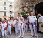 El fervor puede con el calor en una multitudinaria procesión de Santa Ana