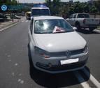 Trasladado al CHN un ciclista al chocar contra un vehículo en Pamplona