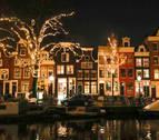 Ámsterdam revive su historia con los objetos rescatados del fondo de su río