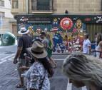 Una librería de Pamplona compra el reloj de Kukuxumusu