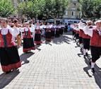 El día grande de fiestas de Burlada congrega a decenas de personas