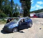 Cinco heridos tras salirse de la vía y dar varias vueltas de campana en Pueyo