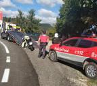 Herido leve un motorista al salirse de la vía en Larraona