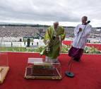 El papa insiste en que la Iglesia remedie los errores tras los abusos