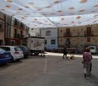 El Corro de Andosilla estrena un toldo que cubre toda la plaza