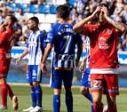 Bastón y Sobrino anulan el gol del Espanyol y dan tres puntos al Alavés