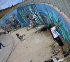 Huarte suma a sus murales la defensa de una mujer
