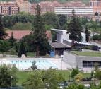 Curso veraniego de natación infantil en la piscina cubierta de Aranzadi