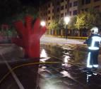 Rocían con gasolina y dan fuego a un símbolo contra la violencia de género en Ansoáin