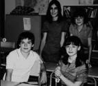 La recreación de una foto de 'Cuéntame' de Carlos, Karina, Josete y Luis 13 años después