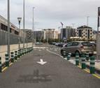 Controversia en Maristas por los nuevos pivotes del aparcamiento