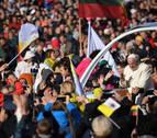 El recuerdo de la represión soviética y nazi marca la visita del Papa a Lituania