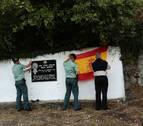 El Parlamento condena las pintadas en el lugar del asesinato de Beiro